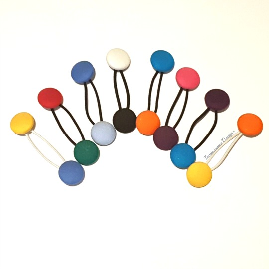 Dual colour button buddies bobbles