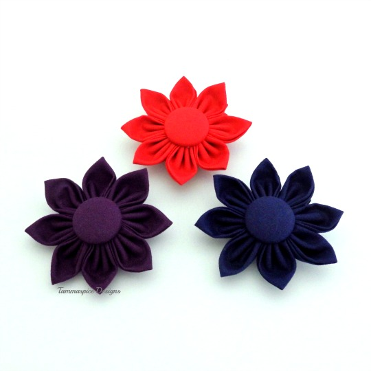 Flower button clips