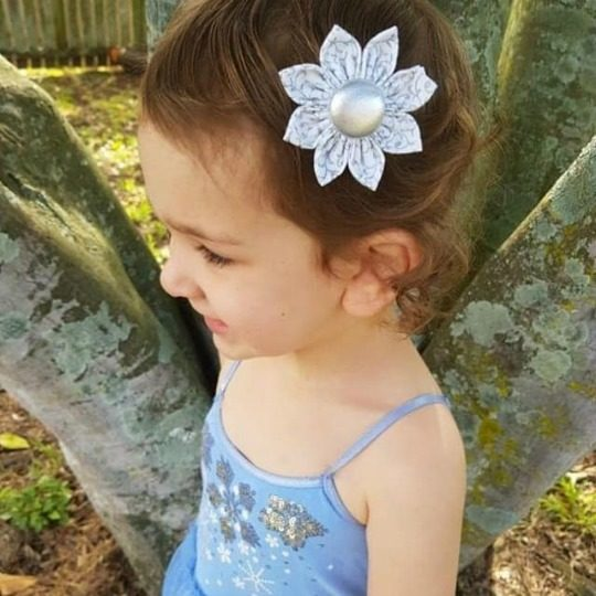 Allison wearing Silver Baroque Flower Clip
